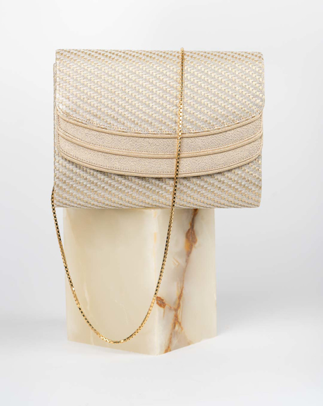Picture of MESH CLUTCH BAG IN GOLD