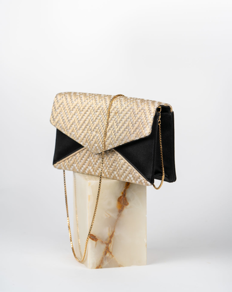 Picture of MESH CLUTCH BAG IN BLACK & GOLD
