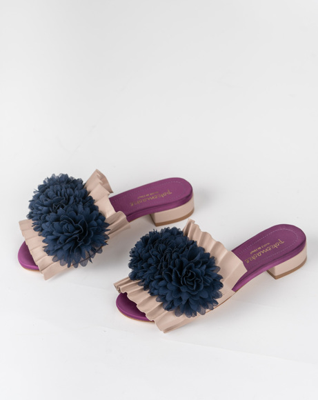 Picture of OPEN TOE SLIP ON WITH FLOWER DESIGN