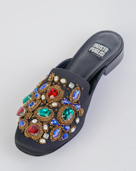 Picture of FLAT PEARL AND CRYSTAL SANDALS