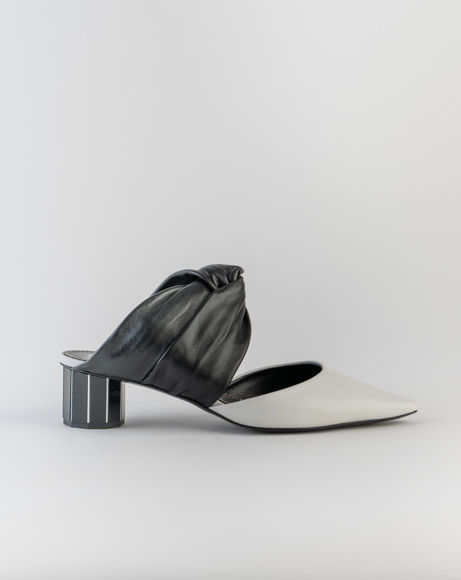 Picture of TWISTED BLOCK MULE 40 WHITE/BLACK