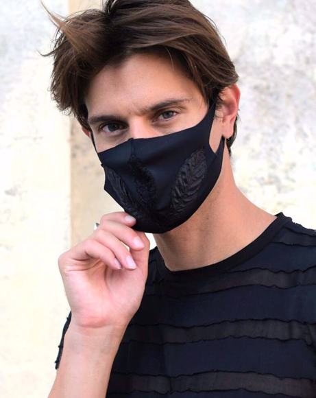 Picture of FASHION MASK LIMITED TOTAL BLACK ANTIBACTERIAL FABRIC