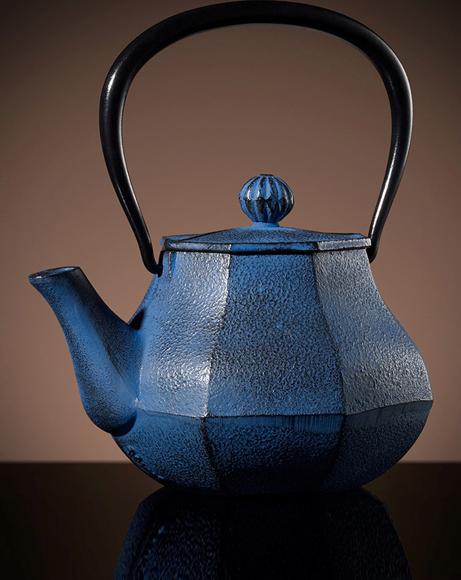 Picture of MOUNT FUJI TEA POT IN BLUE