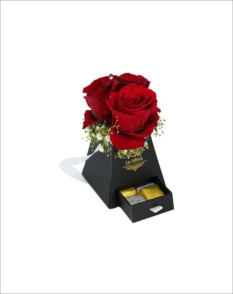 Picture of RED ROSES WITH CHOCOLATES