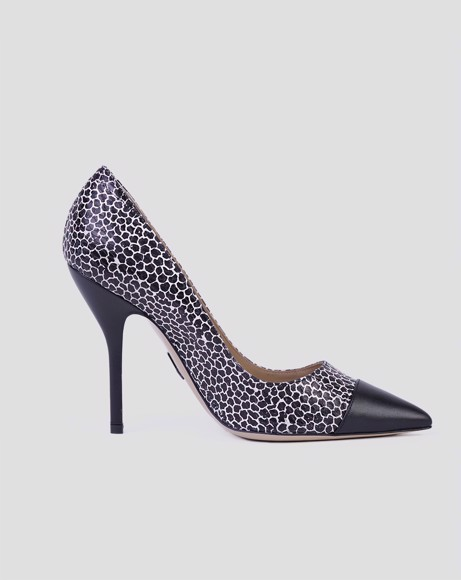 Picture of BLACK/WHITE SNAKE EMBOSSED PUMPS