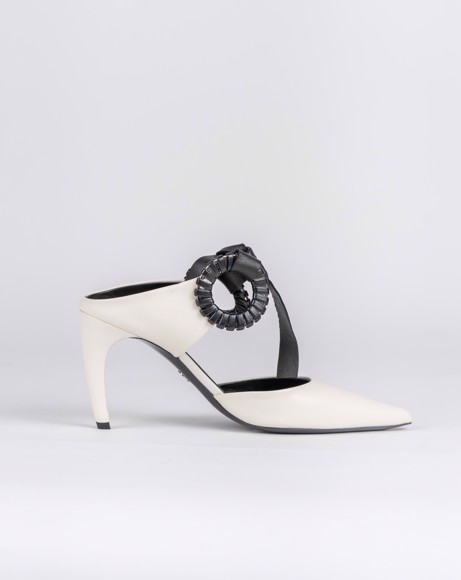 Picture of ECRU POINTED TOE WITH LEATHER UPPER