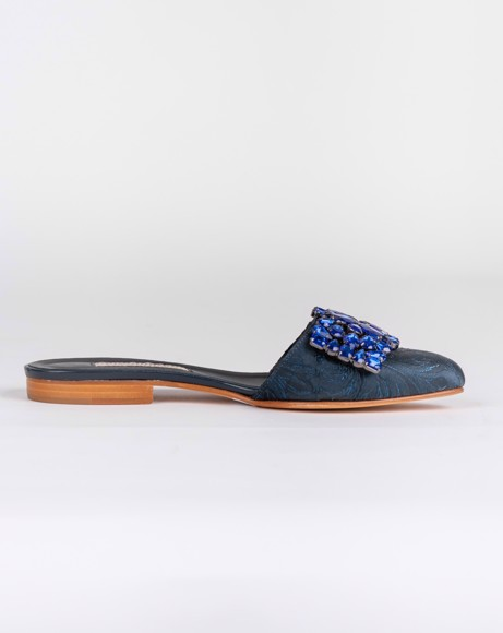 Picture of CLOSED TOE SLIP ON BLUE