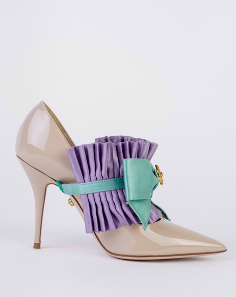 Picture of BOW WITH POINTED TOE PUMPS