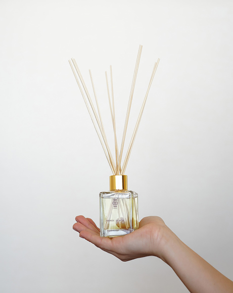 Picture of DOHA - SAFFRON AND CARDAMOM REED DIFFUSER